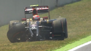 Maldonado crashes