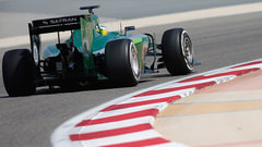 Sidepodcast: Red Bull manage half a lap in penultimate Bahrain test day