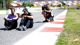 For the Spanish Grand Prix, we have not one but two unusual sights to behold. A Williams at the front of the grid - what can Pastor Maldonado bring to the race, and how long can he hold on to the potential podium position? And related to that, a McLaren at the very rear of the grid. Hamilton seems feisty after his penalty, how far can he make it through? Further down the order, both Jenson Button and Mark Webber have a lot of work to do, whilst Kimi Räikkönen sits just behind his teammate, with his eyes on race victory. Who will kick of the European leg of the season with a win?