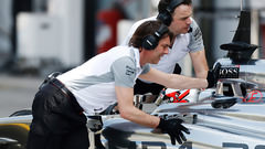 Sidepodcast: Force India and Williams jump to the top as final testing begins