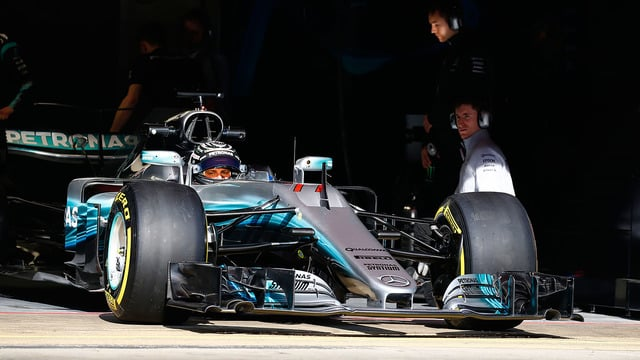 Mercedes to test 'shark fin' in Barcelona