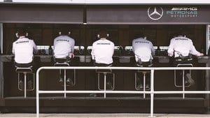 Mercedes return to the top of the team standings