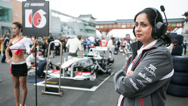 Monisha Kaltenborn and an F1 grid girl
