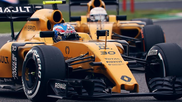 Jolyon Palmer performs well in Japan
