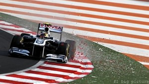 Pastor Maldonado outqualifies teammate Rubens Barrichello in India