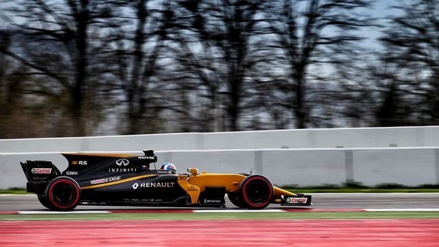 Renault deal with test troubles