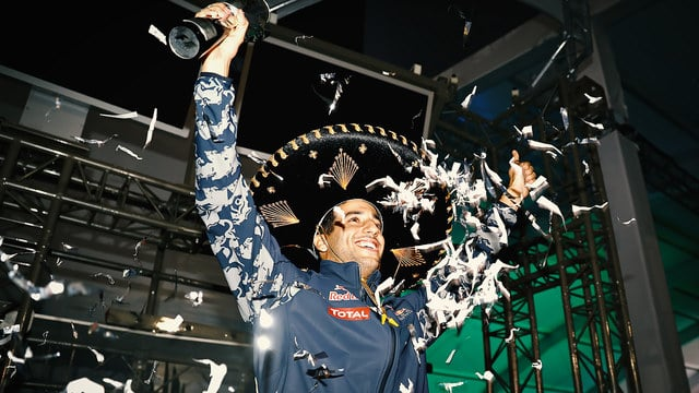 Ricciardo ends up with third place after dramatic finish to Mexican race