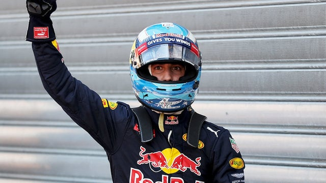 Daniel Ricciardo sweeps to pole position as Verstappen crashes out