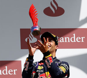 Ricciardo gives his trophy some height