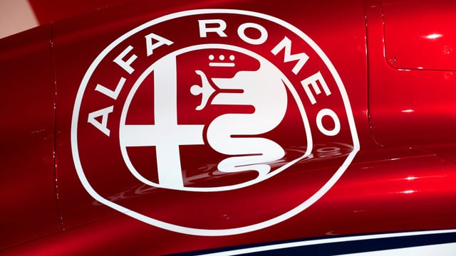 Alfa Romeo Sauber unveil slick F1 auto and young driver