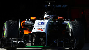Sergio Pérez debuts for Force India as F1 reveals new look cars