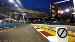 Loose kerbing causes consternation during Singapore GP weekend