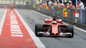 Vettel tops the timesheets in final China practice